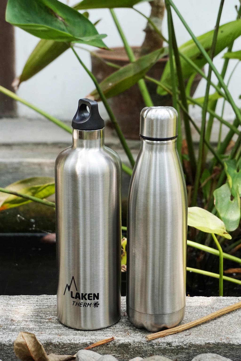 Viajar con menos plástico con botellas reutilizables