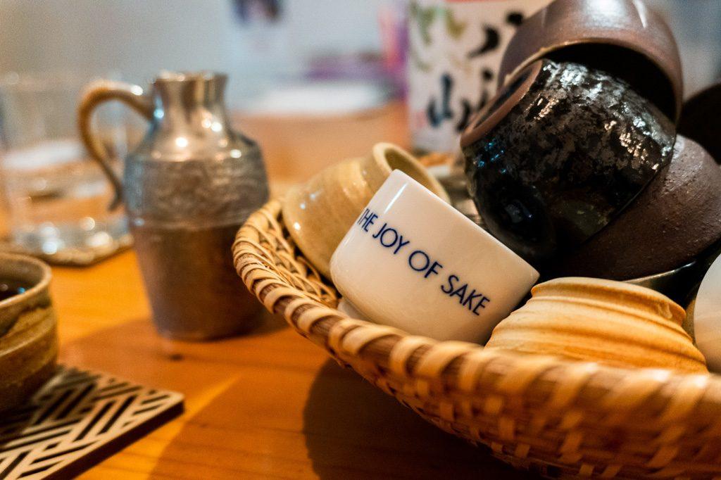 Tacitas de sake.