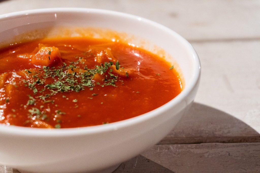 Sopa casera de vegetales.