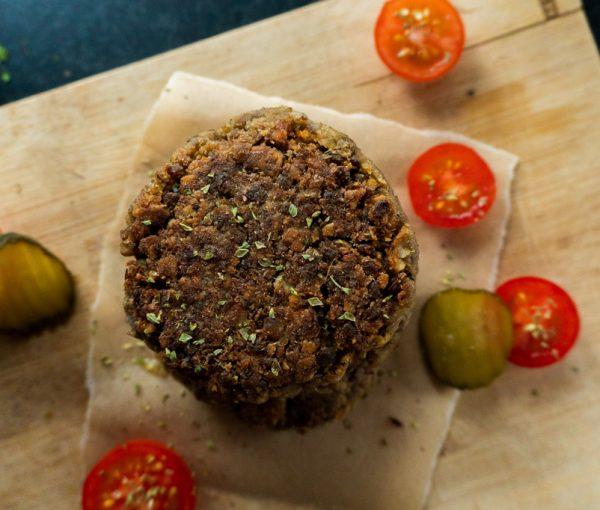 Hamburguesa vegana de lentejas (sin carne)