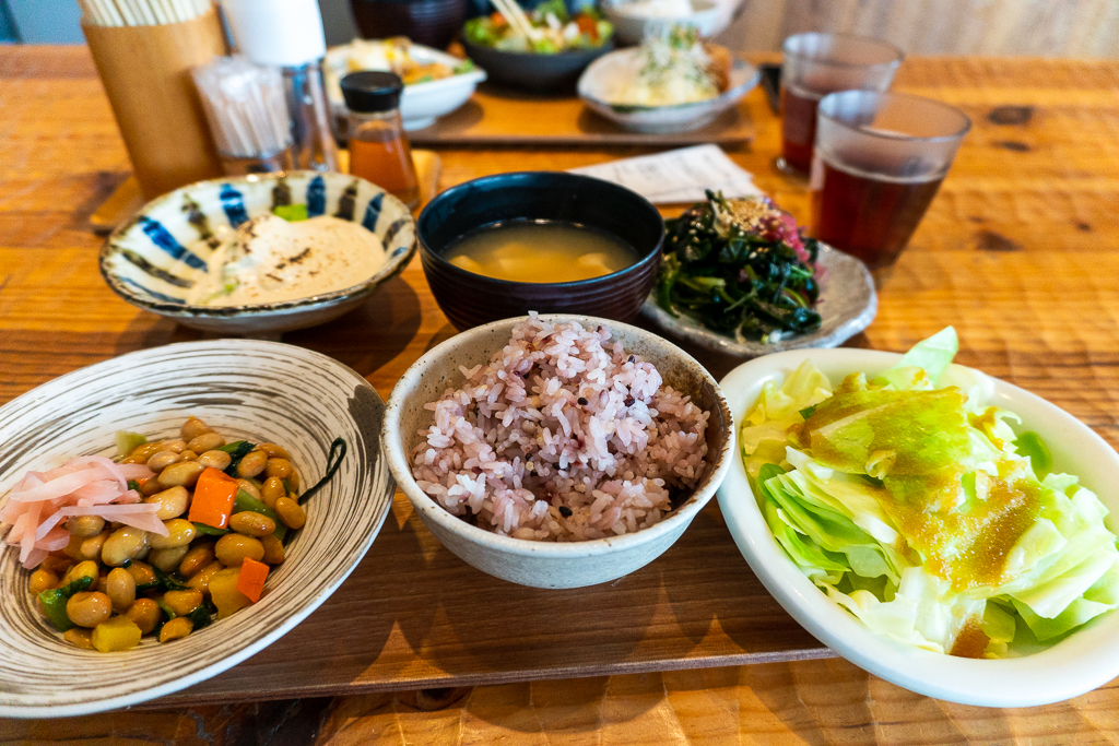 Platitos comida vegana en Tokio 100% vegetales