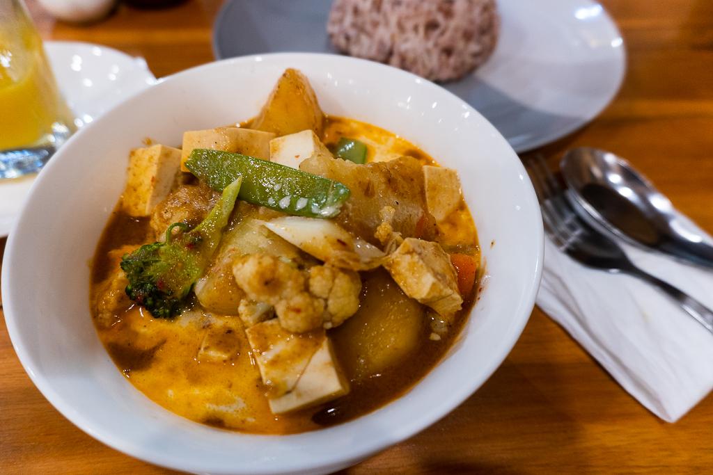comer vegano en Tailandia: massaman curry