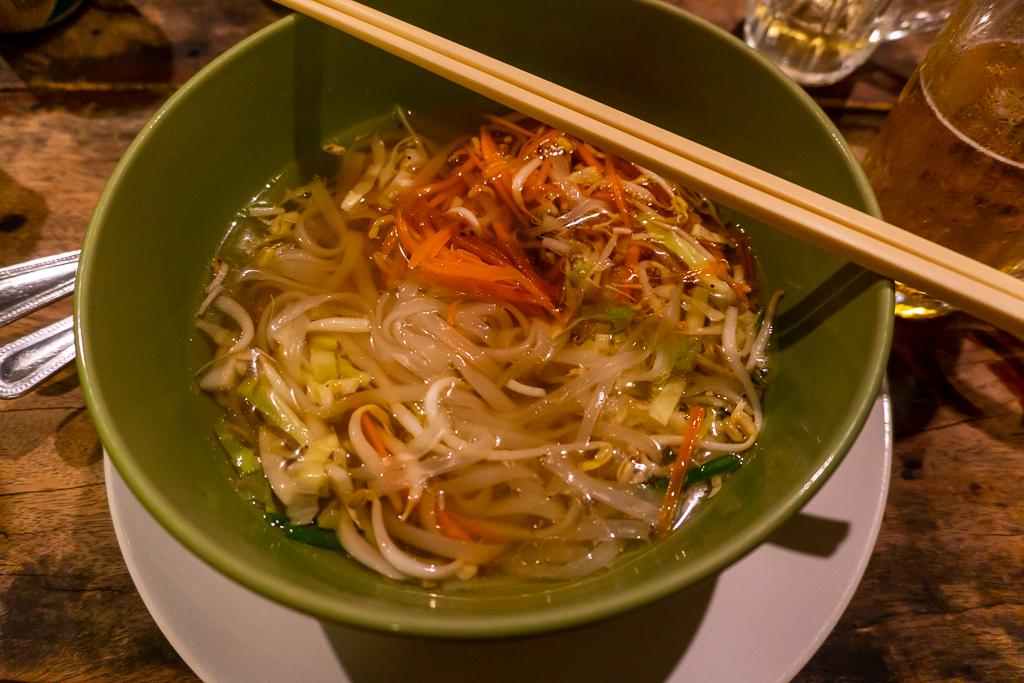 comer vegano en Tailandia: Sukhothai noodles
