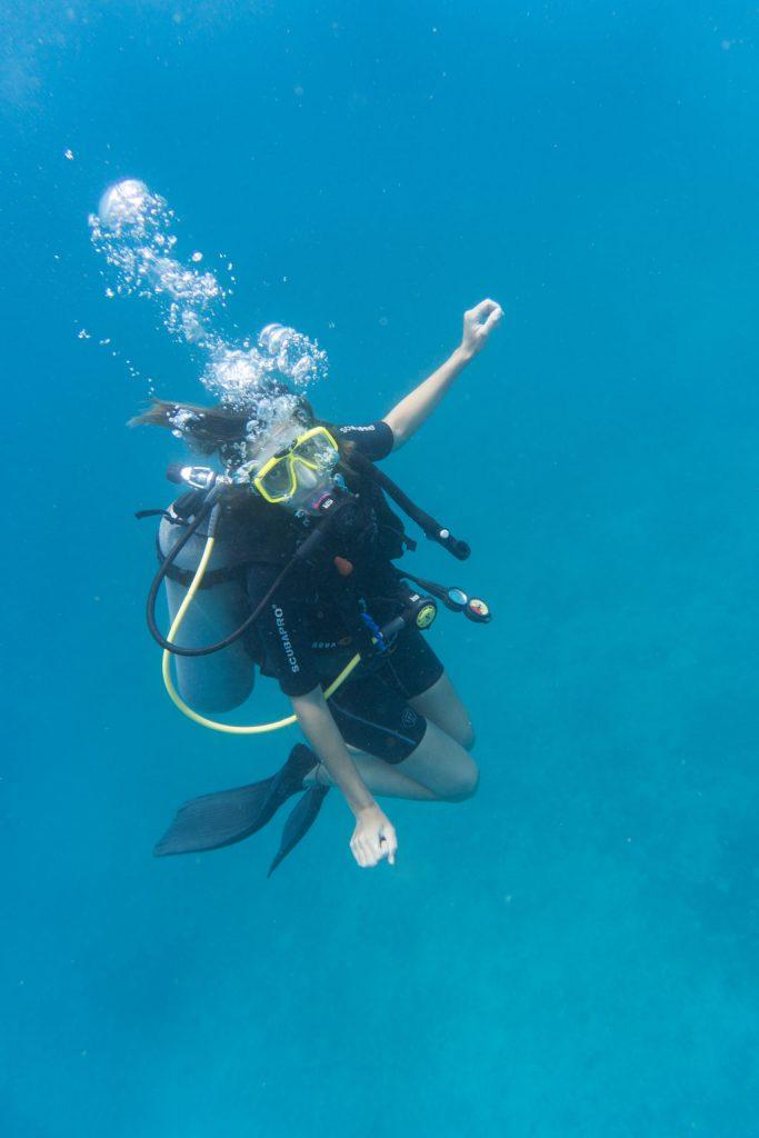 buceo-flotar en el agua