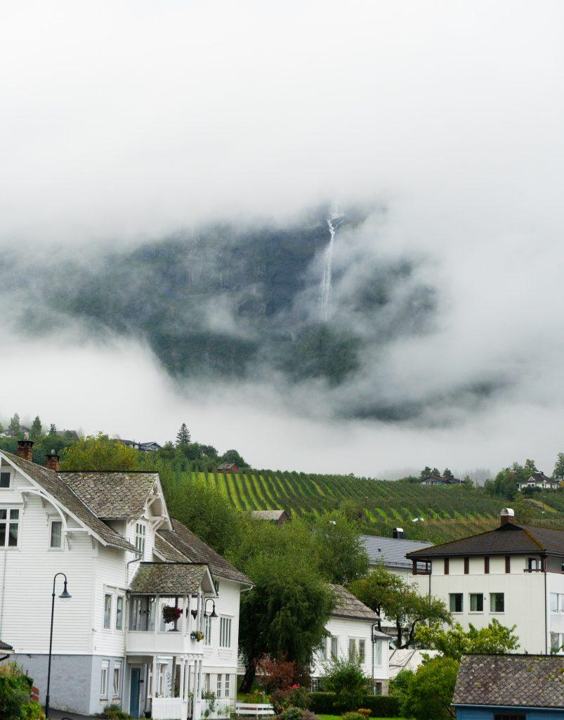 Viajar a Noruega es esperar a que llueva en cualquier momento